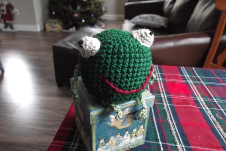 Amigurumi frog